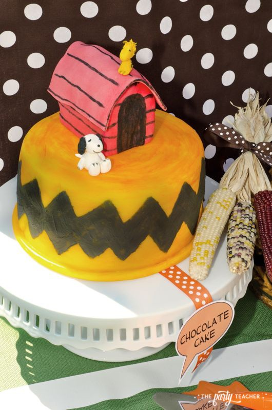 Charlie Brown Thanksgiving Party by The Party Teacher-cake