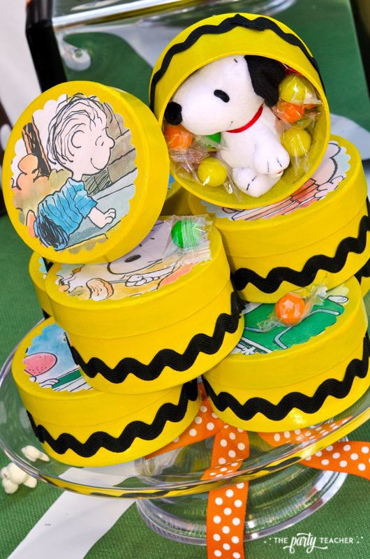 Charlie Brown Thanksgiving Party by The Party Teacher-party favors