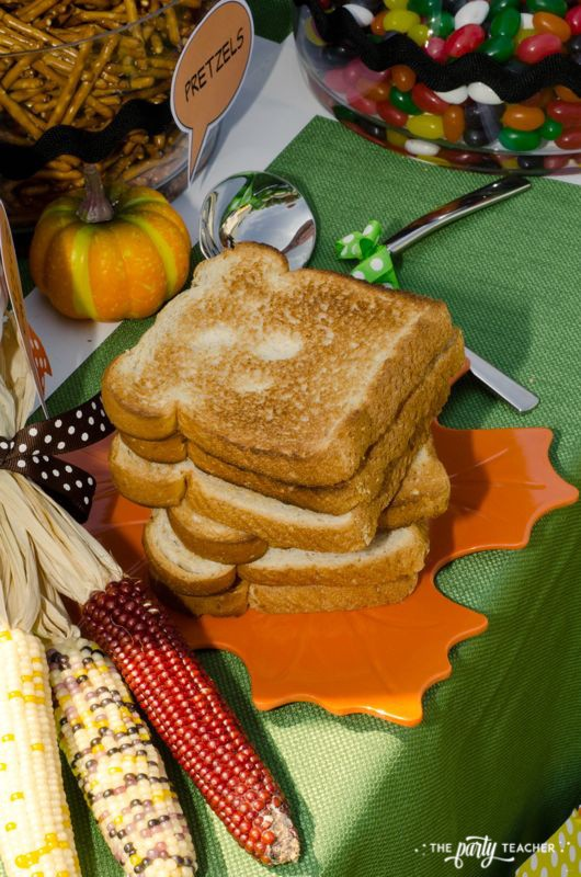 Charlie Brown Thanksgiving Party by The Party Teacher-toast