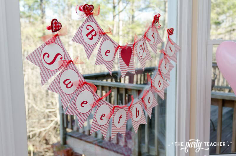 Valentine's Day Party by The Party Teacher - Be My Sweetheart banner