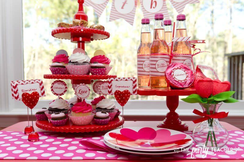Valentine's Day Party by The Party Teacher - party table 4