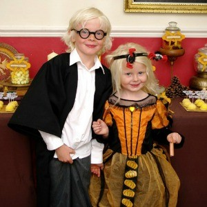 Guest Party: Happy Hogwarts Harry Potter Birthday Party for Twins
