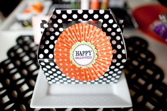 Cupcake liner gable box topper