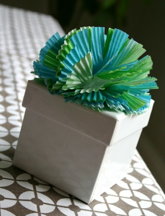Cupcake liner gift topper