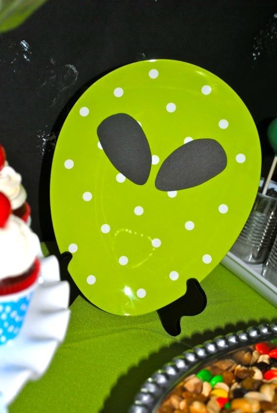 Alien Party - alien plate