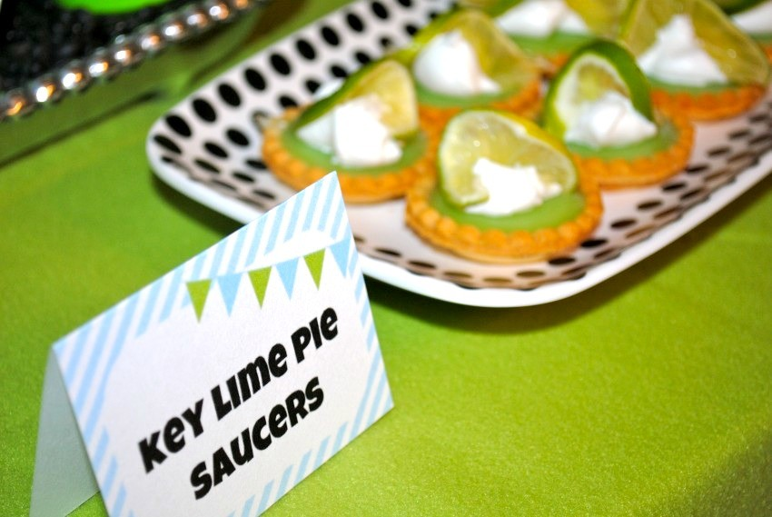 Alien Party - key lime pie saucers
