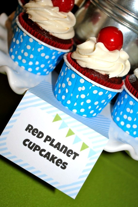 Alien Party - red planet cupcakes
