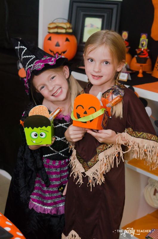 Halloween trick or treat party by The Party Teacher - party favor boxes