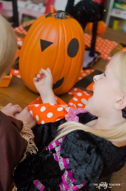 Halloween trick or treat party by The Party Teacher - pin the face on the pumpkin 2