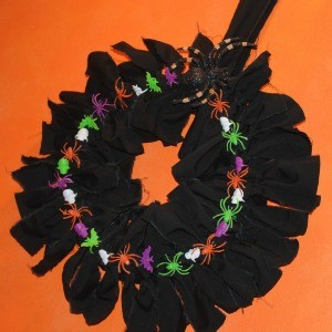 Tutorial: Halloween Wreath Base