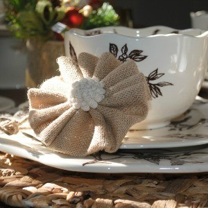 Inspiration: Christmas Table Settings by Linden