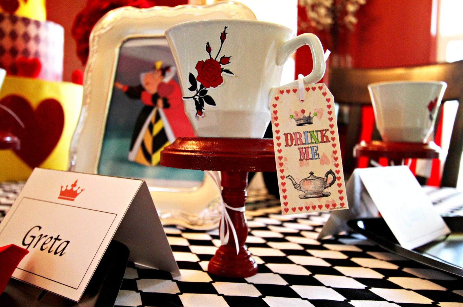 Guest Party: Alice in Wonderland Birthday Party for Twins
