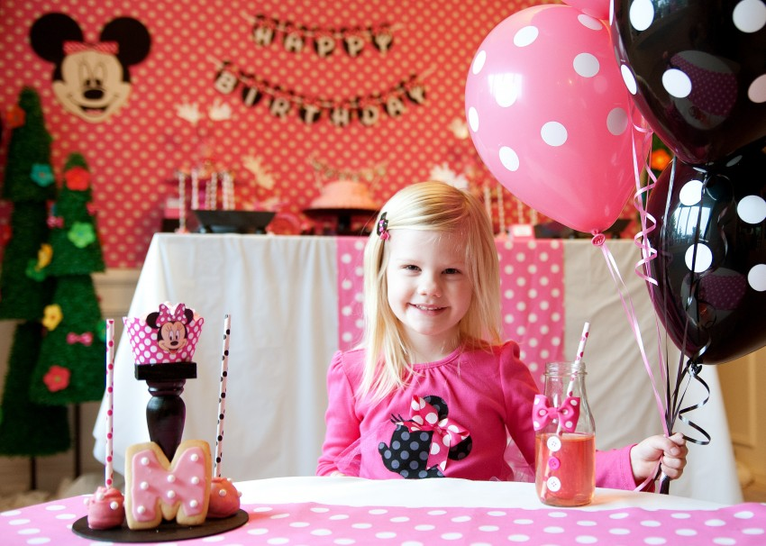 Guest Party Minnie Mouse 5th Birthday