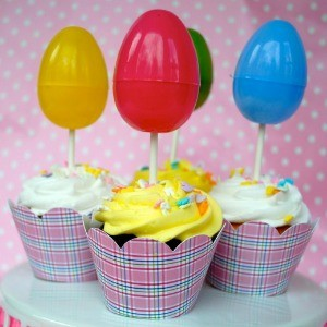 Tutorial: Using Cupcake Wrappers & GIVEAWAY