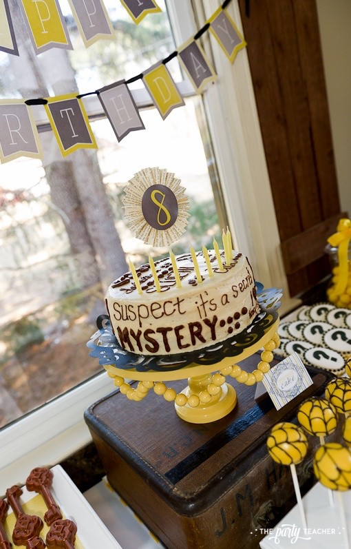 Nancy Drew Mystery Birthday Party by The Party Teacher - birthday cake