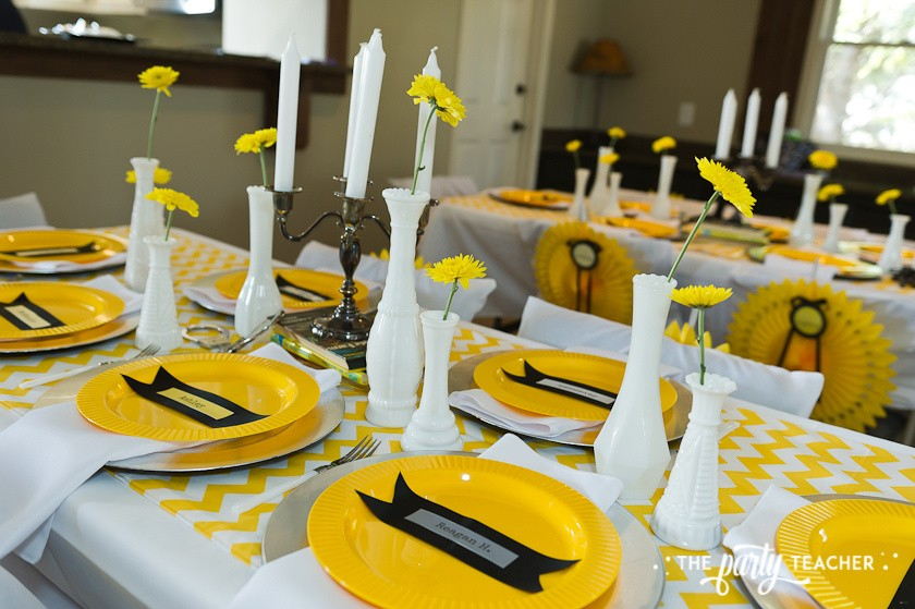 Nancy Drew Mystery Birthday Party by The Party Teacher - tablescape