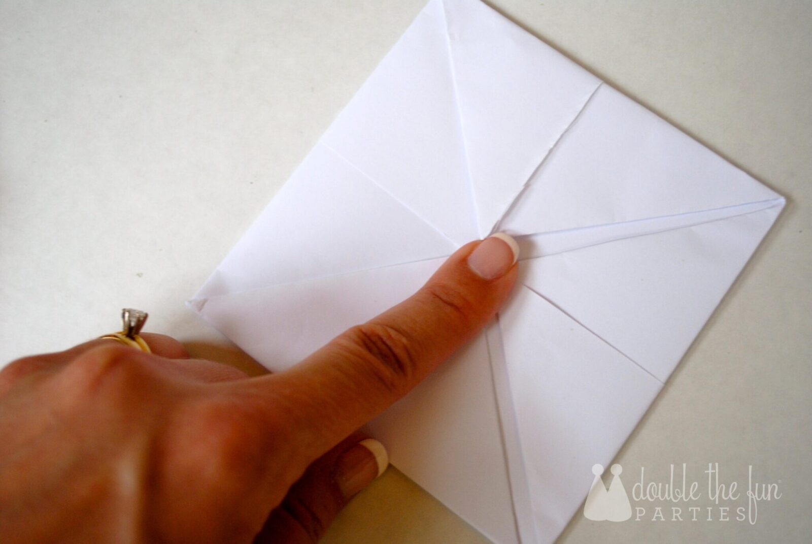 how to make a cootie catcher out of paper