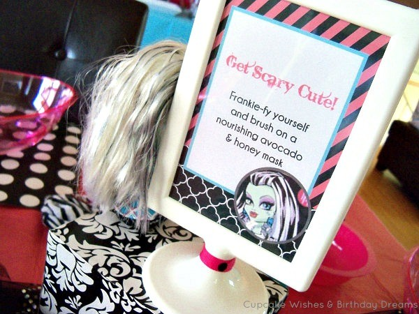 MH Spa Party - Get Scary Cute Sign