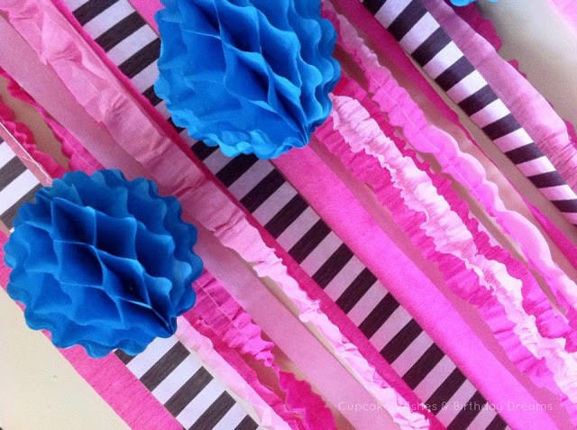 how to make party streamer backdrop
