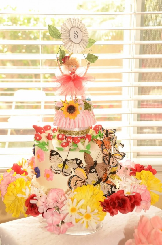 Woodland fairy birthday party by Ritzy Parties featured on The Party Teacher - fairy birthday cake