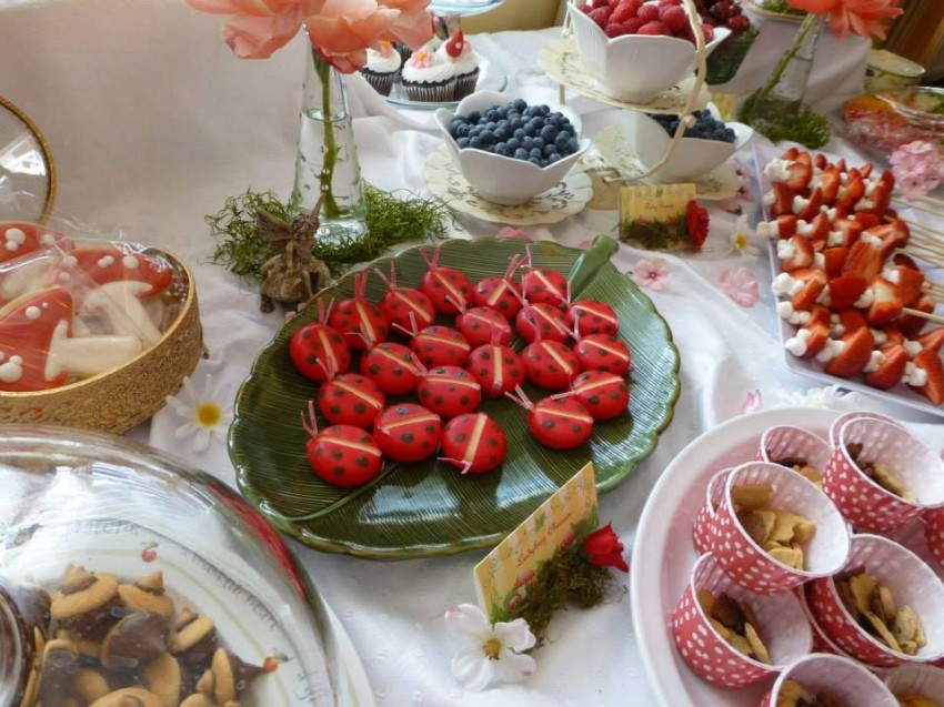 Woodland fairy birthday party by Ritzy Parties featured on The Party Teacher - fairy party food