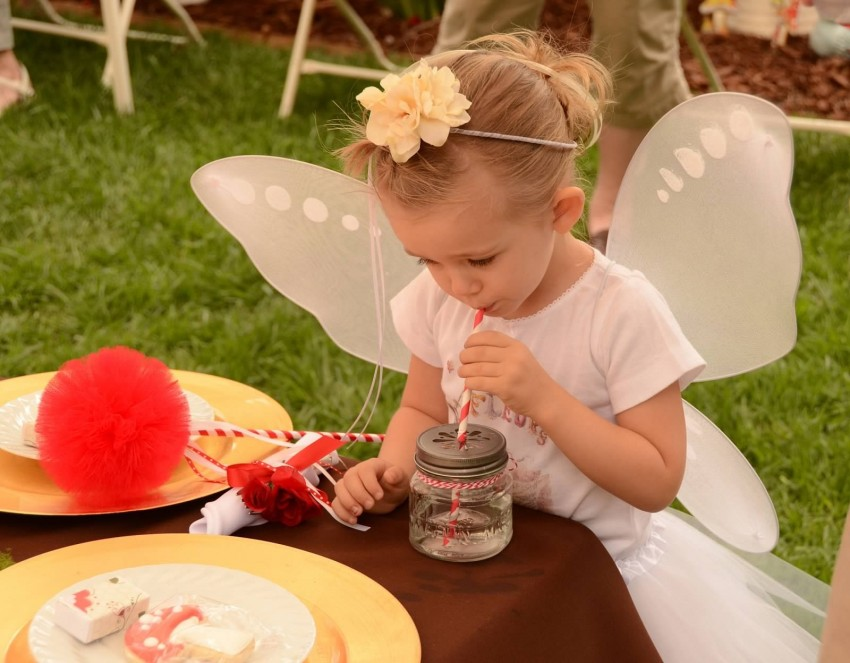 Woodland fairy birthday party by Ritzy Parties featured on The Party Teacher - flower halo