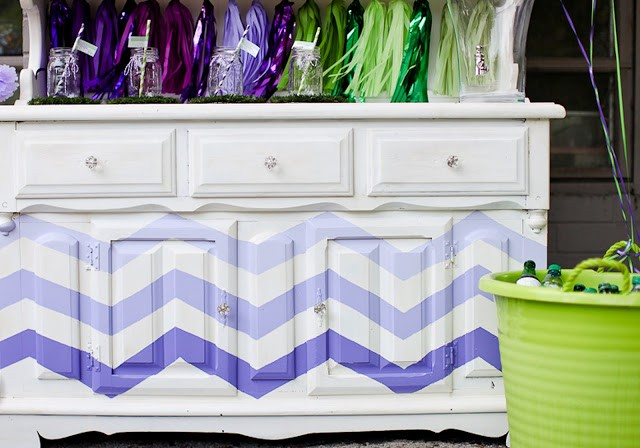 Crocodile birthday party by PBD featured on The Party Teacher - chevron painted bar