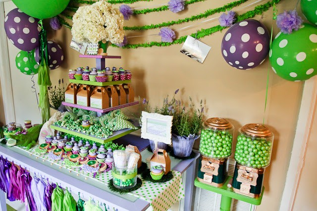 Crocodile birthday party by PBD featured on The Party Teacher -  dessert table