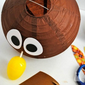 Tutorial: How to Make a Kids' Table Turkey Centerpiece