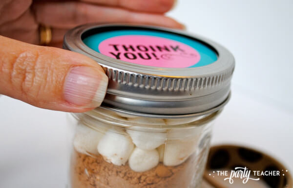 Pink Pig Party hot cocoa mason jar favor by The Party Teacher - 4