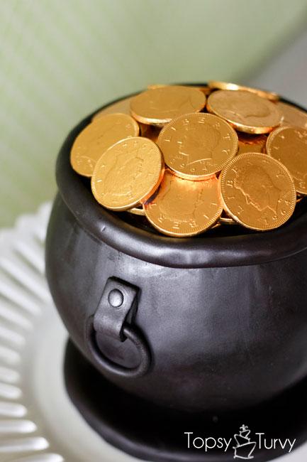 Topsy Turvy Pot 'O Gold Cake 2