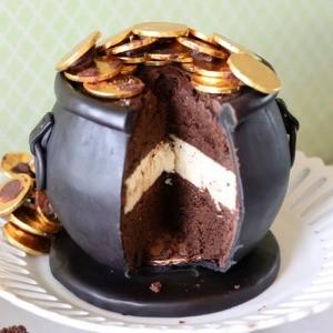 St. Patrick's Day Pot of Gold Cake by Topsy Turvy