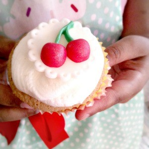 Guest Party: Retro-Inspired Cupcake Decorating Party {9th Birthday Party}