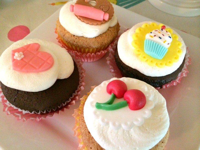 Cupcake_Party_Fondant_Topped_cupcakes