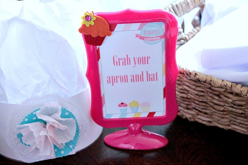 Cupcake_Party_Hat_Apron_Sign
