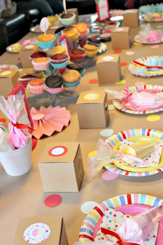 Cupcake_Party_Party_table