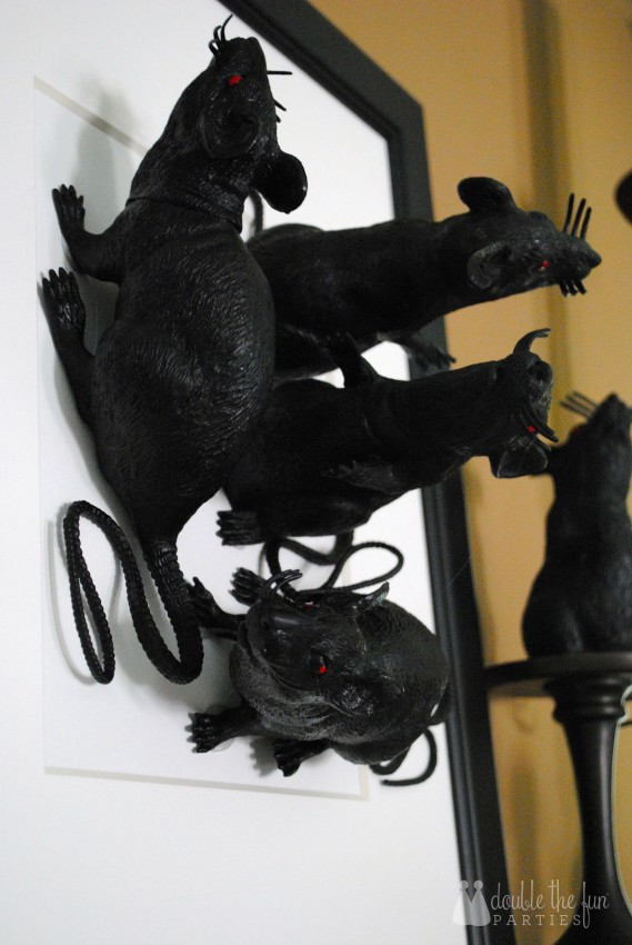 3-D Black Rat Halloween Art by Double the Fun Parties - 0710