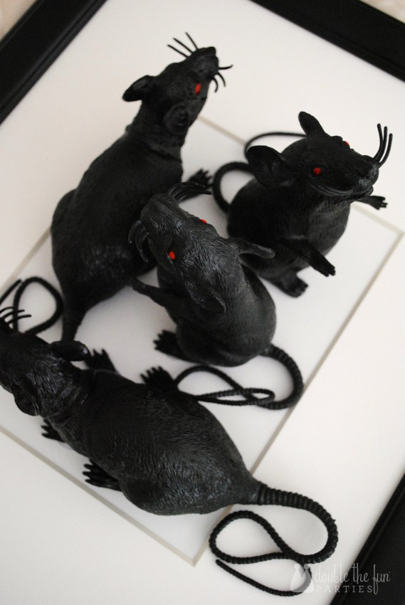 3-D Black Rat Halloween Art by Double the Fun Parties -0985