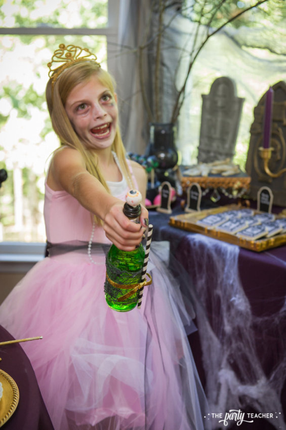 Zombie Princess Party by The Party Teacher - guest 3