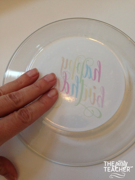 Personalize your party plates with removable stickers - The Party Teacher 7