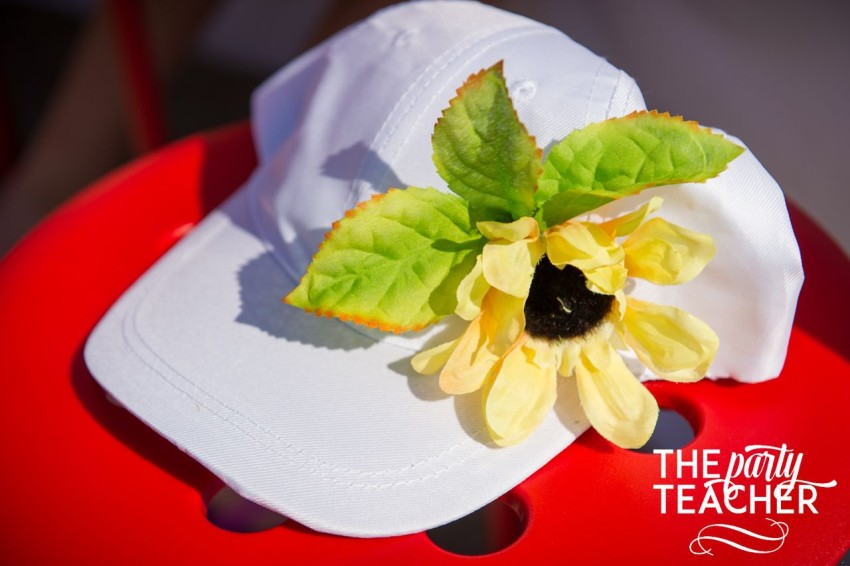 Gardening Party by The Party Teacher - sunflower caps for each guest