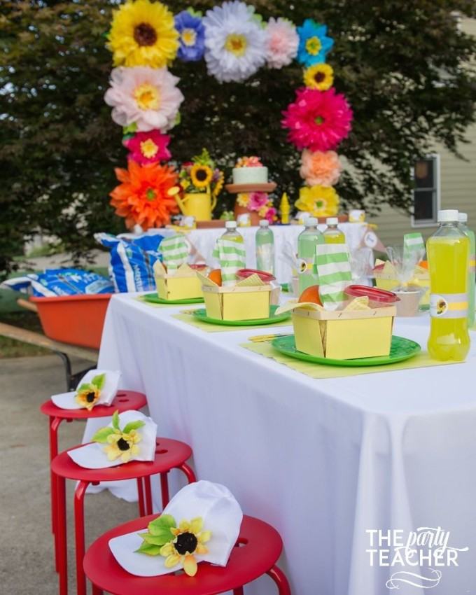 Gardening Party by The Party Teacher - picnic style lunch