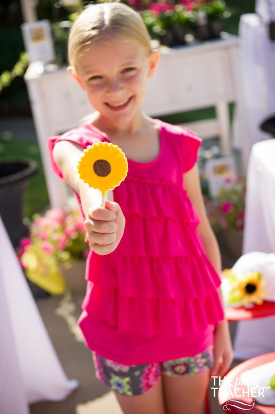 Gardening Party by The Party Teacher - chocolate sunflower pops