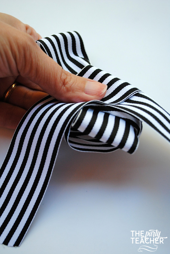 How to Tie the Perfect Bow by The Party Teacher - 12