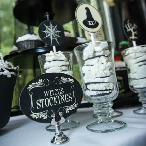 Recipe: Witch's Stockings Oreo & Cream Dessert