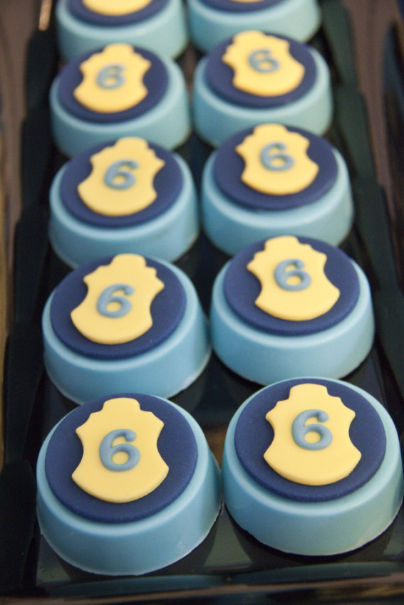 Police badge Oreos - Cops and Robbers Party by Sparkling Sweets Boutique-4