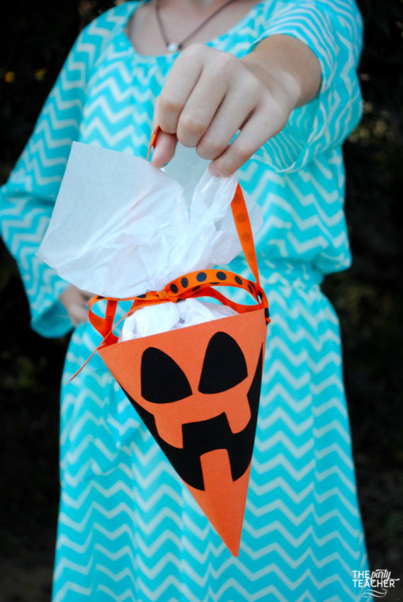 halloween-party-cones-by-the-party-teacher-25