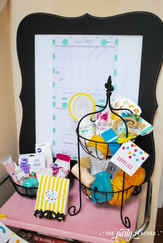 8 weeks of summer fun ideas by The Party Teacher - use a calendar so the kids can keep track of their plans