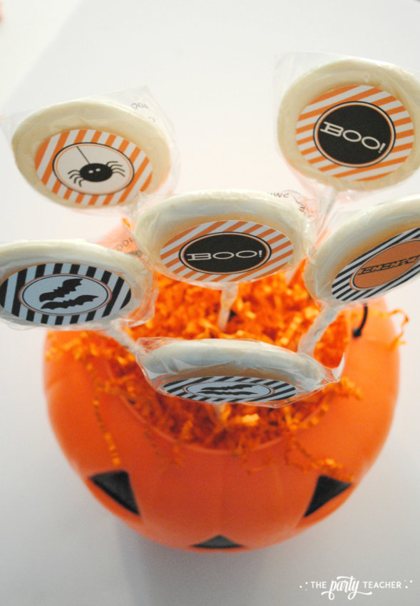 Halloween Candy DIY Centerpiece by The Party Teacher - lollipops 2