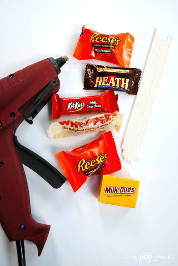 Halloween Candy DIY Centerpiece by The Party Teacher - glue gun
